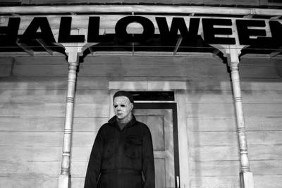 Texas lawyer fined for walking on beach as Michael Myers with bloody knife